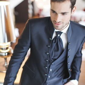 Tailored suits – Zürich – Zoro Boutique AG